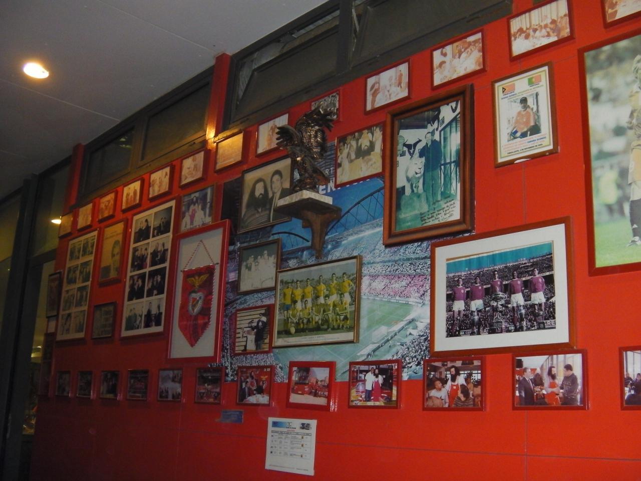 O BARBAS 1er supporter de Benfica et Resto